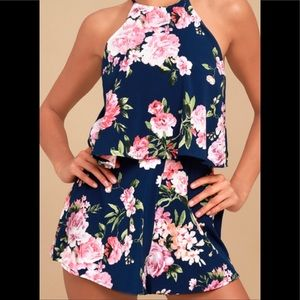 NWT! Lulus navy floral print romper. Size XS